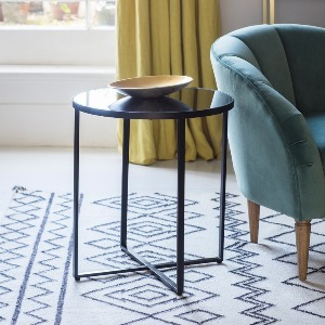 SIDETABLE WITH MIRROR TOP