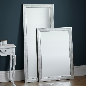 MIRROR WITH ANTIQUE SILVER EFFECT SURROUND