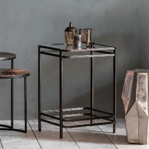 SIDETABLE WITH GLASS TOP WITH BLACKENED METAL FRAME